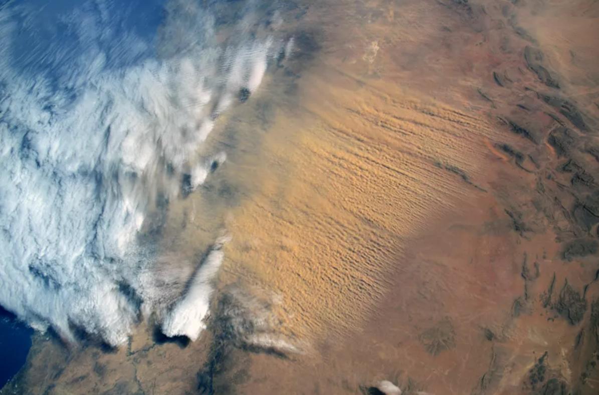 uuide-gorev-yapan-kozmonotlarin-gozunden-dunya-manzaralari1